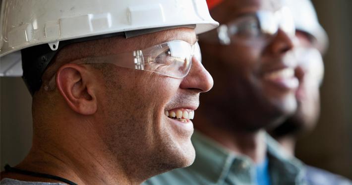 Entenda como contratar mão de obra qualificada para a construção civil